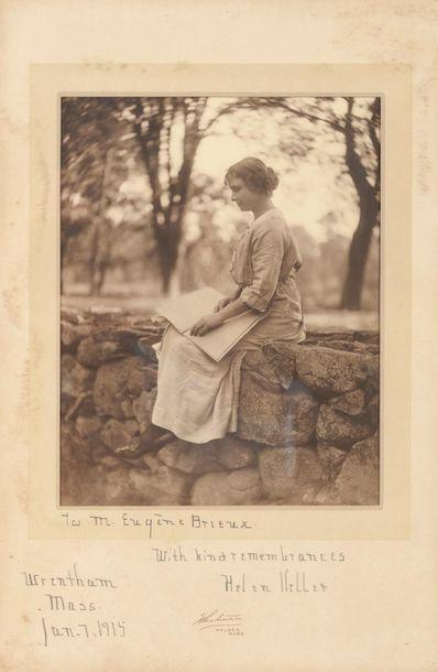 Hellen KELLER (1880-1968), auteure, conférencière et militante politique américaine...