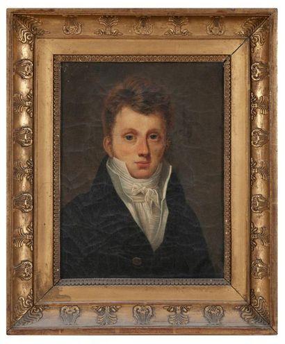 ÉCOLE FRANÇAISE VERS 1820 Portrait d'un jeune homme. Huile sur toile. 33 x 25 cm....