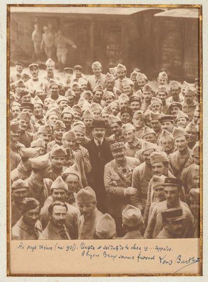 Trois photographies dédicacées à Eugène BRIEUX (1858-1932) et deux, dédicacées à...