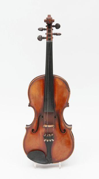 Violon d'Amédé DIEUDONNE fait à Mirecourt...
