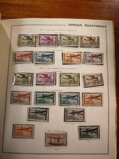 TOUS PAYS Ensemble de timbres neufs et oblitérés dont FRANCE, en feuilles ou fragments...