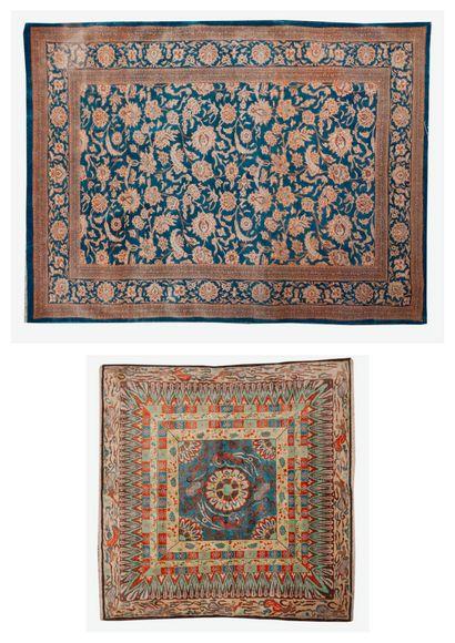 Lot deux tapis en laine et soie :  - L'un...