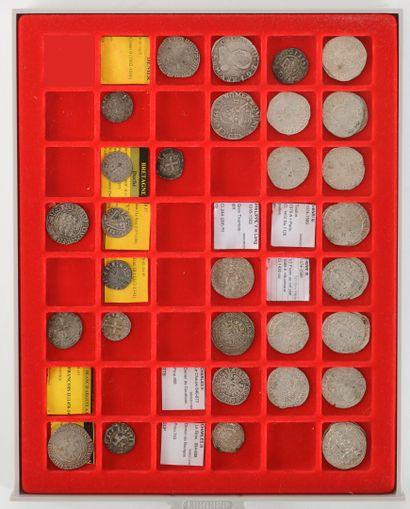 Lot de 39 monnaies françaises et provinciales...