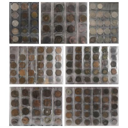 3 classeurs d'environ 500 monnaies françaises...