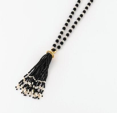 Collier de perles d'onyx alternées de petites...