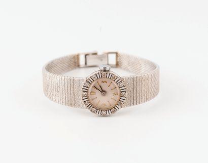 Montre bracelet de dame en or gris (750)...
