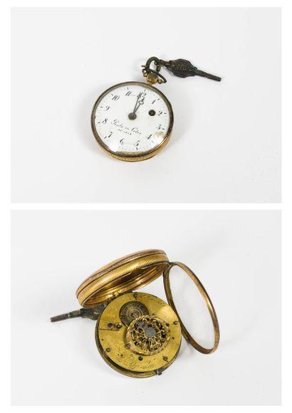 Trois montres de gousset :  - une en cuivre...