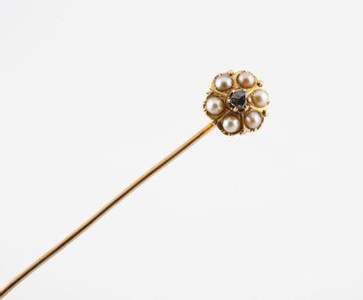 Epingle de cravate en or jaune (750) à motif...