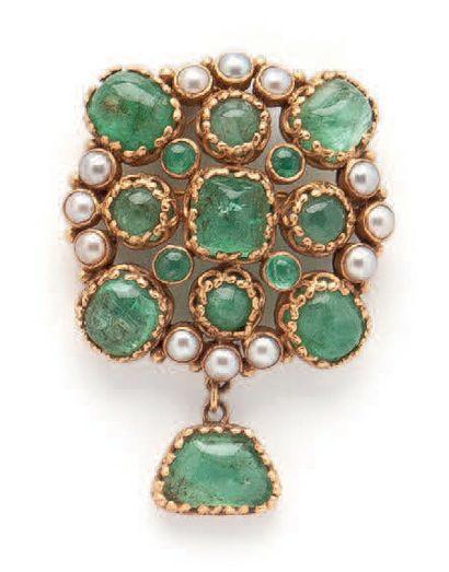 Yellow gold (750) openwork pendant brooch...