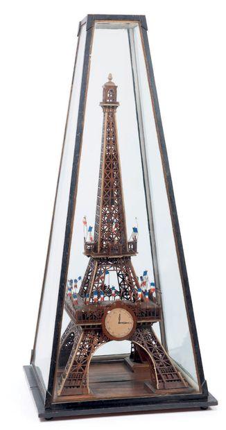 Exceptionnel modèle réduit de la tour Eiffel....