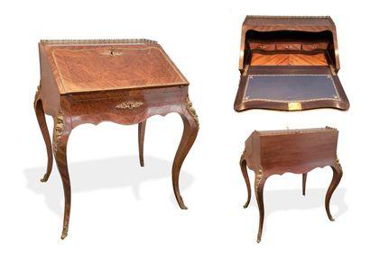 FRANCE, style Louis XV, seconde moitié du XIXème siècle A lady's sloping desk in...