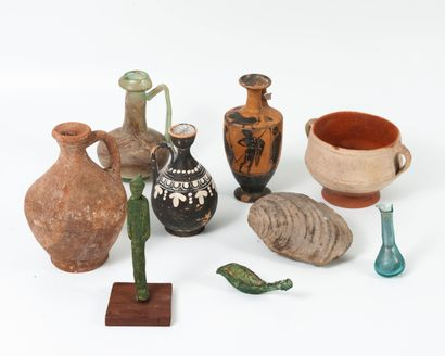 Small archaeological and miscellaneous lot...