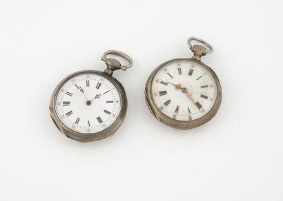 Lot de deux montres en argent (min.800)....