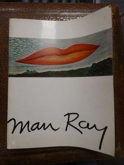 Catalogue de l'exposition Man Ray. Editions...