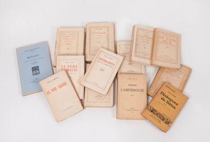 Lot de treize volumes