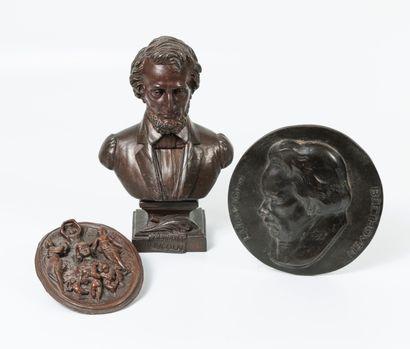 D'après TRAVANA (?) Buste du Président Lincoln.  Epreuve en régule à patine brune....
