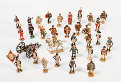 VERTUNNI Ensemble de trente-trois figurines historiques en plomb et quelques soldats...