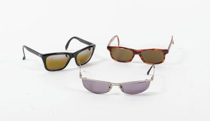 Lot de trois paires de lunettes de soleil :