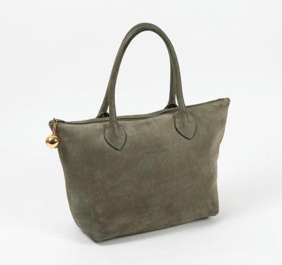 Lot de trois sacs à main : - Charles JOURDAN  Sac à main en cuir marron, à deux anses...