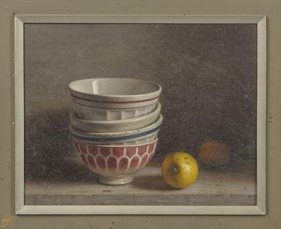 Ecole du XXème siècle Still life with bowls and lemon, 1981.  Gouache on cardboard....