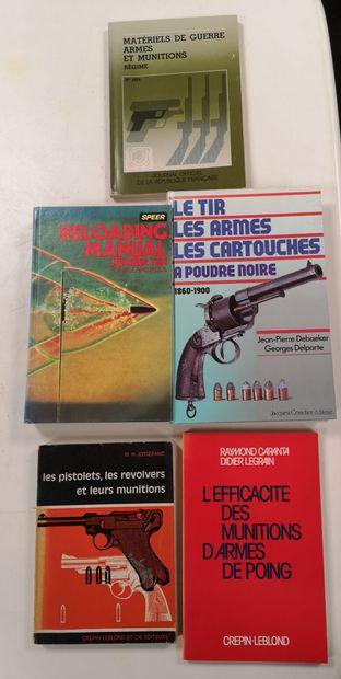 Cinq volumes :  - M. H. JOSSERAND  Les pistolets,...