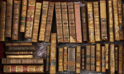 3 caisses de livres :