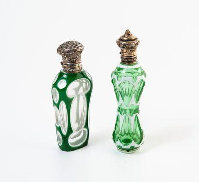 FRANCE, seconde moitié du XIXème siècle Deux flacons à sels ou parfum aux corps en...