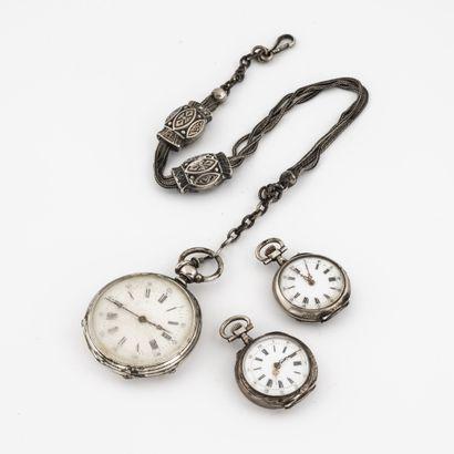 Lot en argent (800) comprenant une montre...