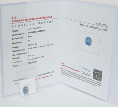 Saphir sur papier de 7.94 carats.  Certificat...