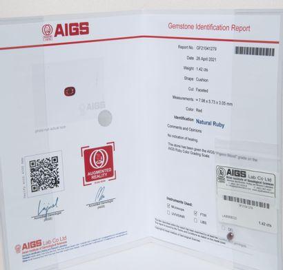 Rubis sur papier de 1.42 carats.  Certificat...
