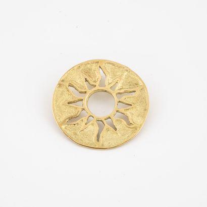 Pendentif soleil ajouré en or jaune (750)...