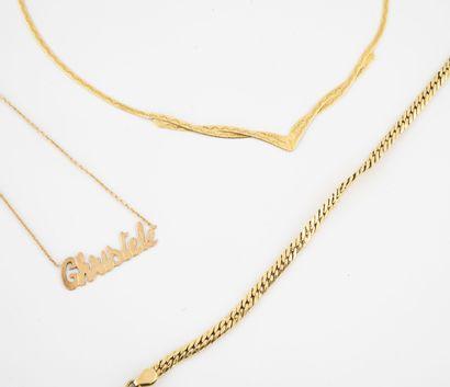 Lot de deux colliers en or jaune (750) :...