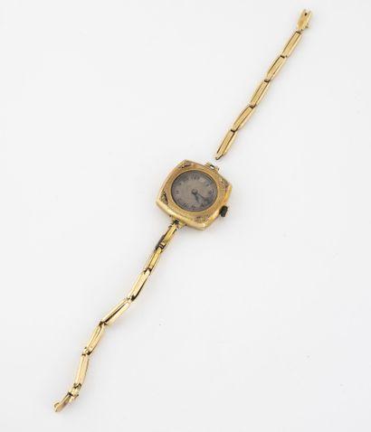 Montre bracelet de dame. Boîtier en or jaune...