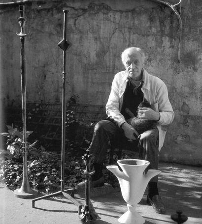 Alberto GIACOMETTI (1901-1966) Lampadaire, tête de femme épaules relevées. Conçu...