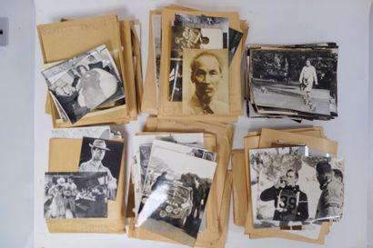 PHOTOGRAPHES DU XXème siècle  Lot de photographies...