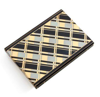 CARTIER Paris, Londres, New York Etui à cigarettes en or jaune (750) de forme rectangulaire,...