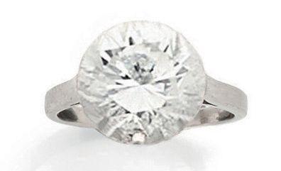 MELLERIO Bague solitaire en platine (850) ornée d'un diamant taille brillant en serti...