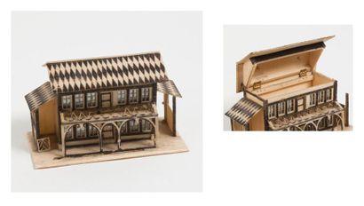 Coffret en forme de maison, en os naturel...