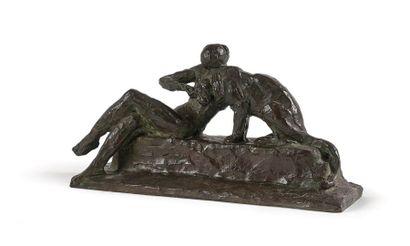 Paul SILVESTRE (1884-1976) Jeune femme assise caressant une lionne, circa 1930. Epreuve...