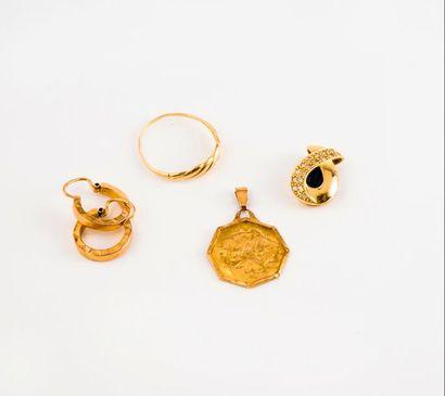 Lot en or jaune (750) comprenant :  - Une...