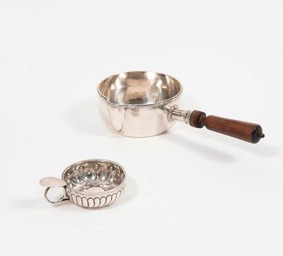 Casserole à bec verseur en argent (950),...