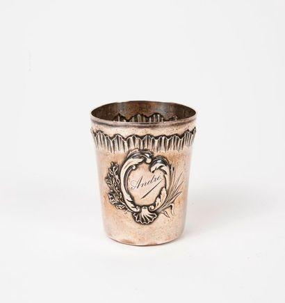Timbale tronconique en argent (950), ornée...