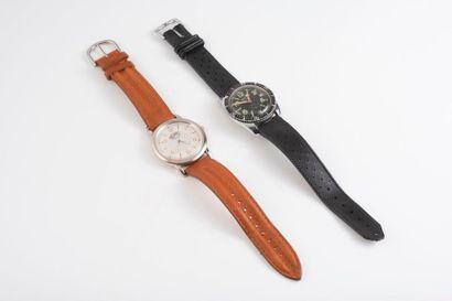 Lot de deux montres bracelet d'homme :  -...