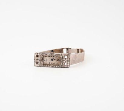 Montre bracelet de dame en platine (850)...