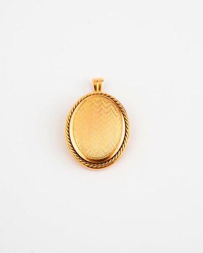 Pendentif porte-photo en or jaune (750) de...