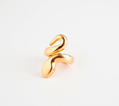 Importante bague serpent en or jaune (750),...
