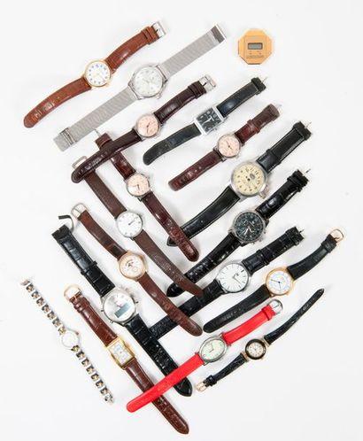 Fort lot de montres bracelets d'homme ou...