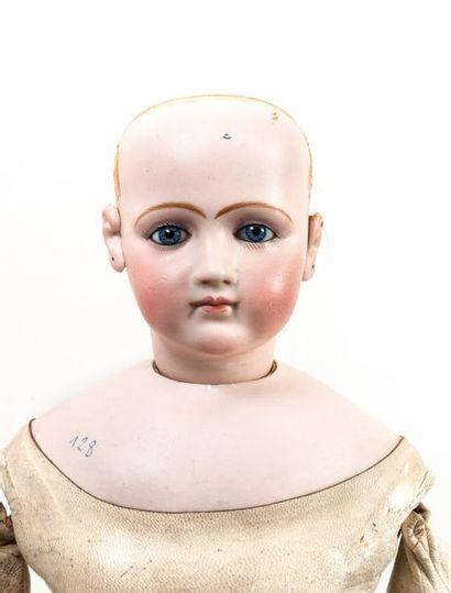 Grande poupée de mode, tête pivotante et...