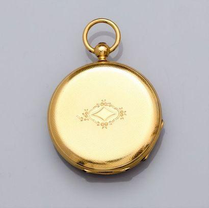 Montre de col à boitier en or jaune 750°/00 (18K), dos guilloché. Cache poussière...