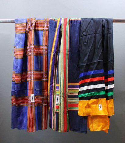 Yves SAINT LAURENT  Lot de 2 châles en coton...
